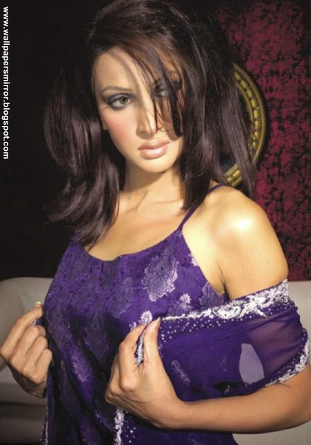 Top 10 pakistani actresses hot hd wallpapers