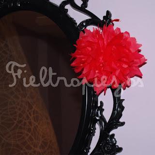 decorar con pompones de seda