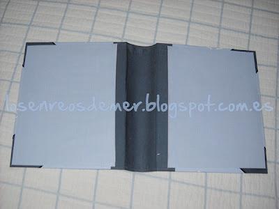 Interior de funda de cuaderno realizada en cartonaje