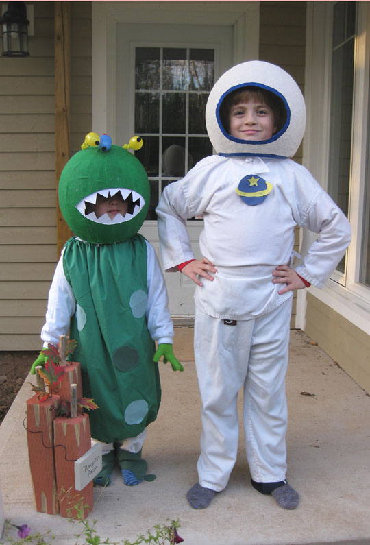 quick homemade astronaut costume - photo #24