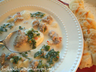 zuppa toscana, creamy, sausage, kale, soup, leesh and lu