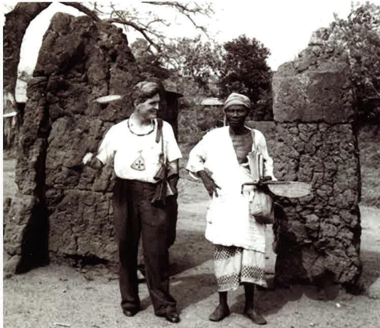 Bernard%2BFagg%2Bcon%2BJefe%2BObalara%2C%2BIfe%CC%81.%2B1953 - Los Nok: El Enigma de la cultura más antigua del arte subsahariano: El descubrimiento