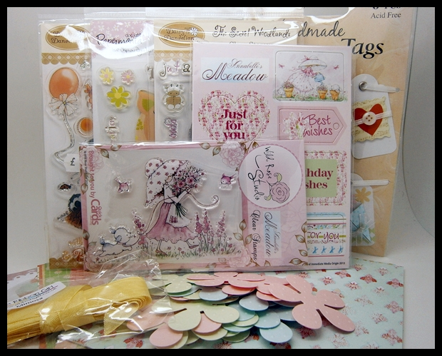 "<a href=""http://vixxhandmadecards.blogspot.com.au/""> Vicky&#39;s Candy</a>"