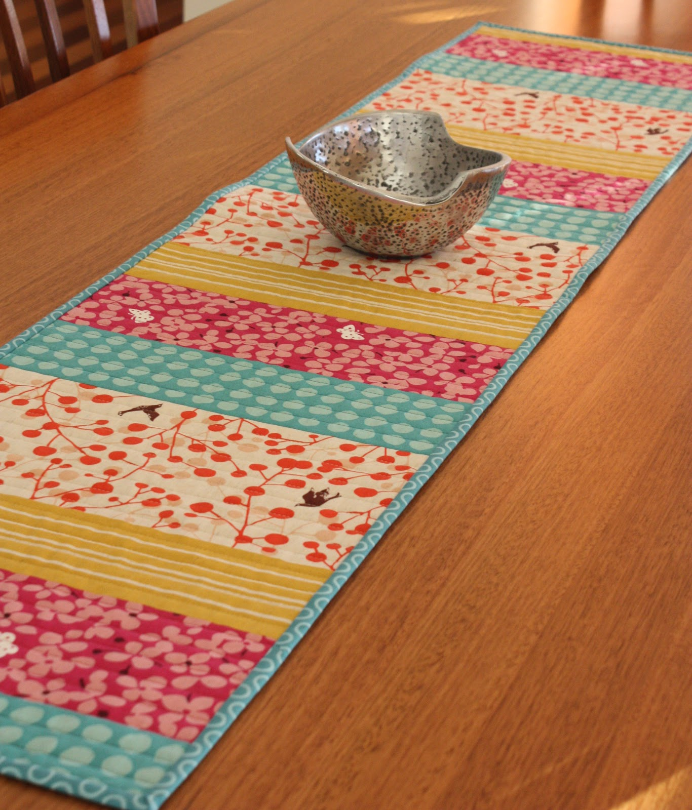 make Spoonful A  of table runner to Table  Runner  Sugar