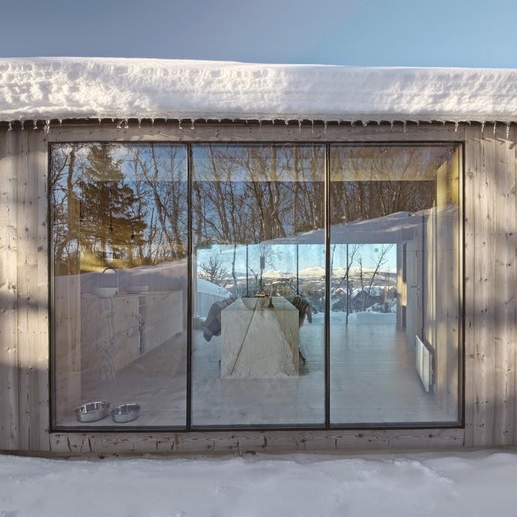 Minimalista refugio de montaña en Noruega by Reiulf Ramstad Architects