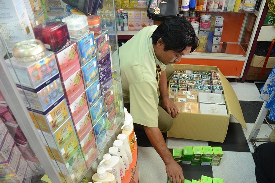 Gia Lai: Tạm giữ hơn 500 loại mỹ phẩm chưa rõ nguồn gốc