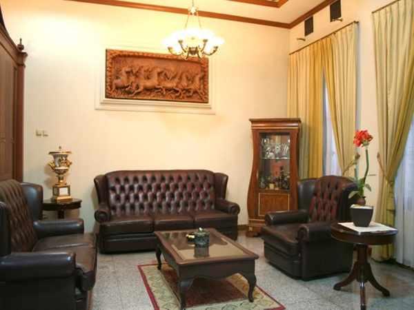 contoh kursi ruang tamu