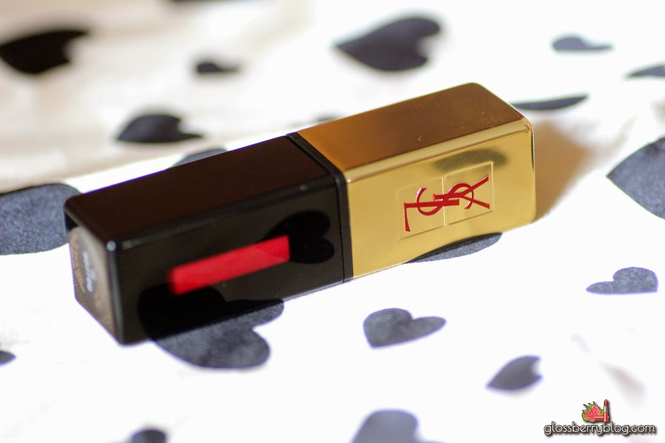YSL - Rouge Pur Couture Vernis a Levres Glossy Stain / 10 - Rouge Philtre  review swatches סקירה גלוסי סטיין איב סאן לורן גלוסברי ביוטי בלוג איפור וטיפוח
