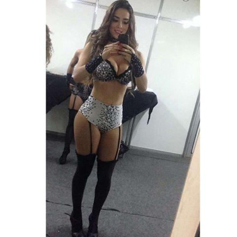 Damaris Andrade posta foto toda sexy antes de show Veja