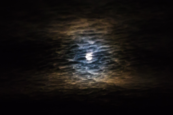 darkness blue moon pimeys kuu