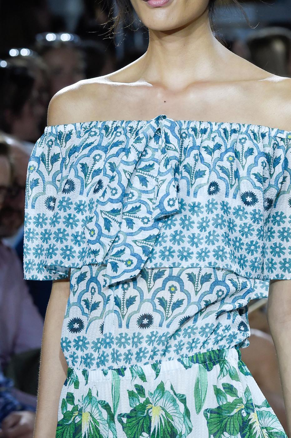 Temperley London Spring/Summer 2016 / London fashion week via www.fashionedbylove.co.uk