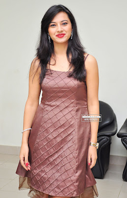 Telugu Actress Isha Chawla Photos