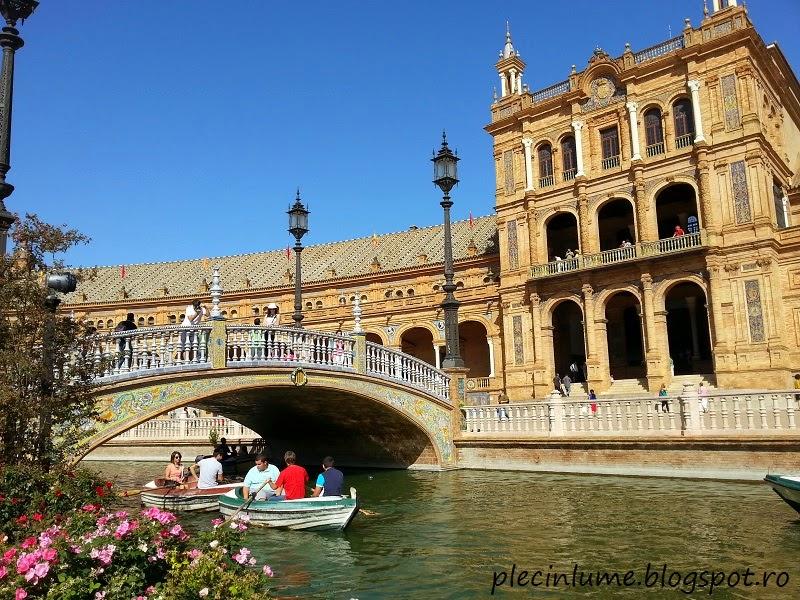 Plimbare cu barca in Plaza di Spania