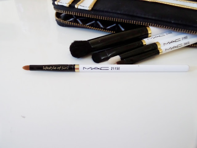 Mac 211 SE- Pointed Liner Brush