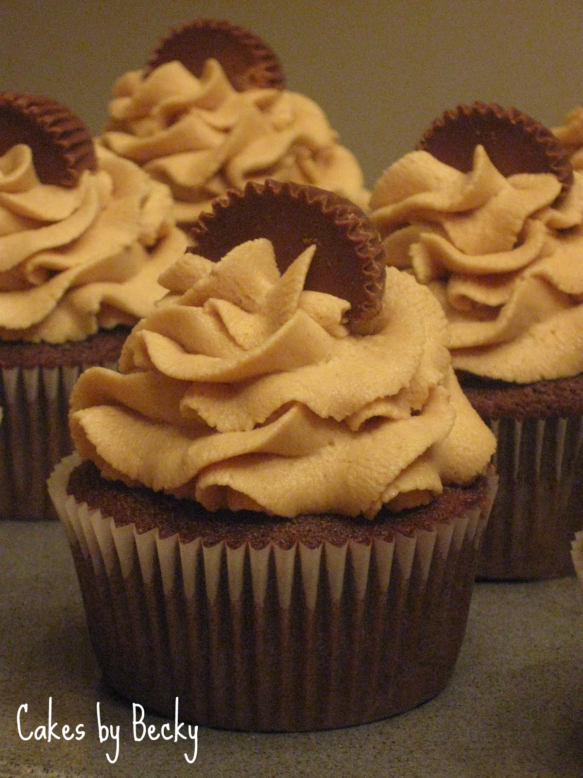 Image Chocolate Peanut Butter Cupcakes Download