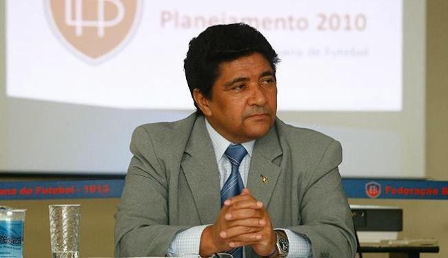Presidente da FBF lamenta situação de estádios e anuncia medida para 2016