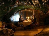 Απίστευτο: 2 γυναίκες ζουν σε…. σπηλιά λόγω σπάνιας αρρώστιας
