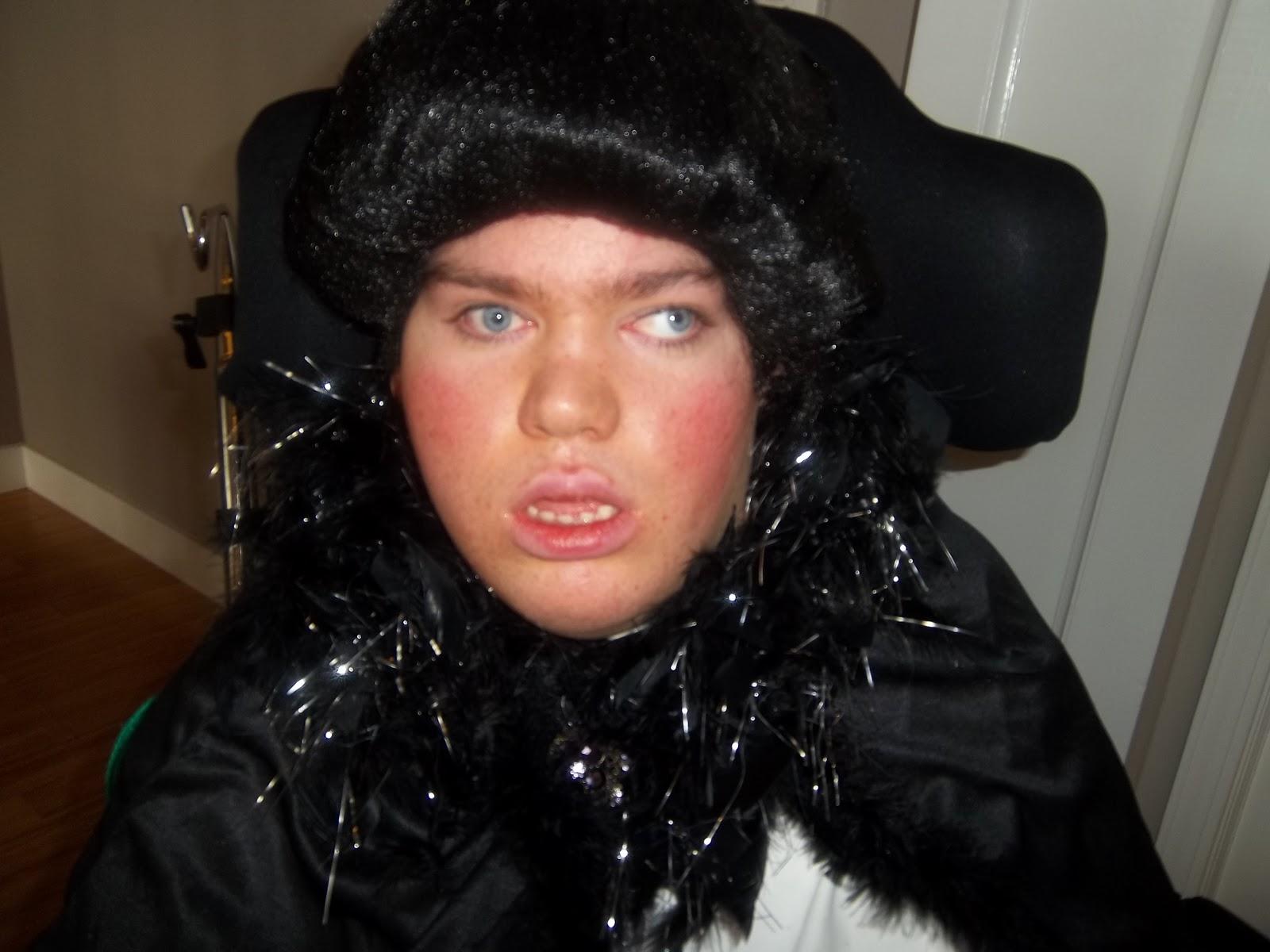 Dream Mom  sc 1 st  Dream Mom & Dream Mom: Liberace Wheelchair Halloween Costume 2012