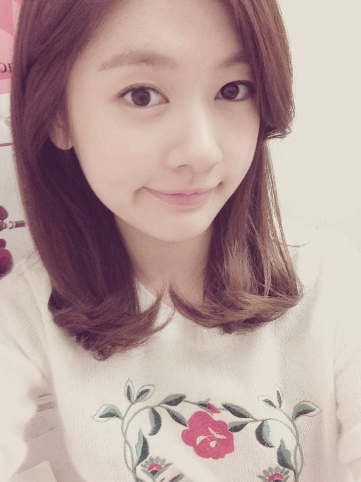Lovely Jung So Min (정소민) Photo Update October 13, 2013