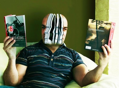 03-Easy-Read-Surreal-Self-Portrait-Artist-Manu-Pombrol-www-designstack-co