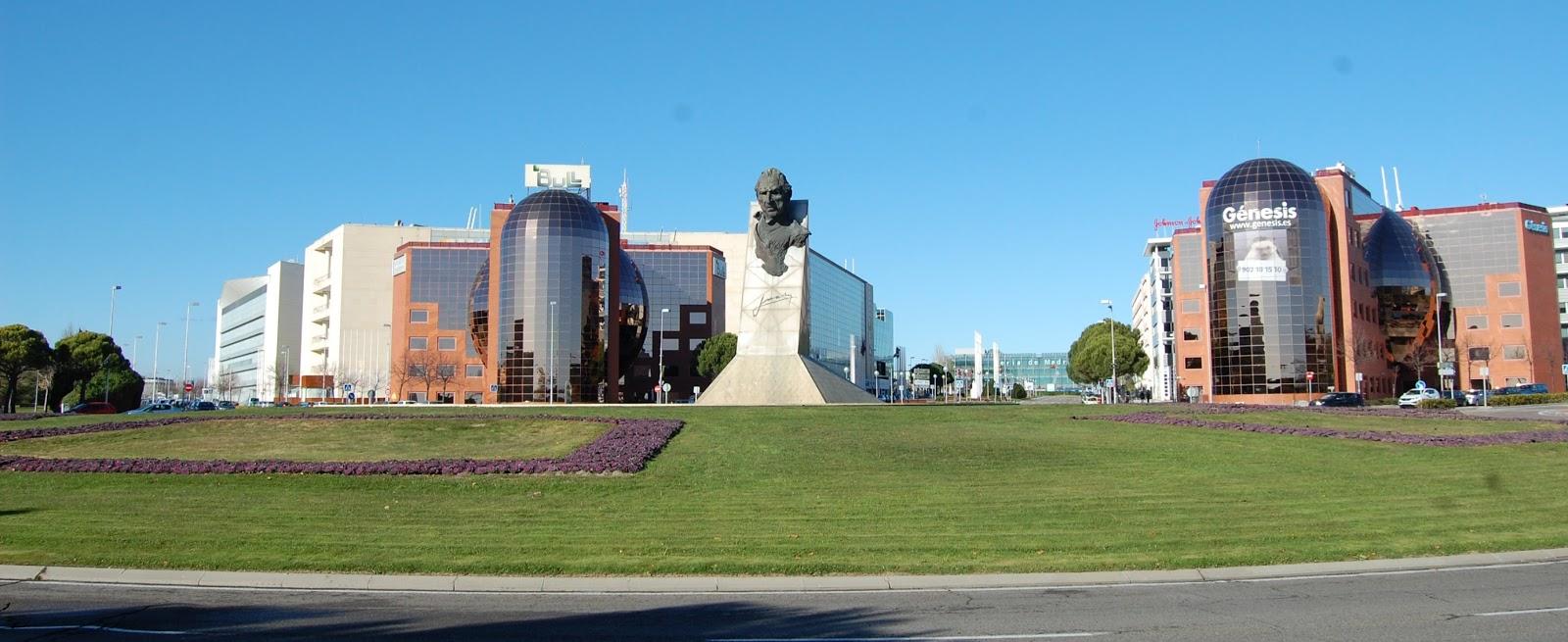 Blog Go Tandem - Monumento a Don Juan - Víctor Ochoa