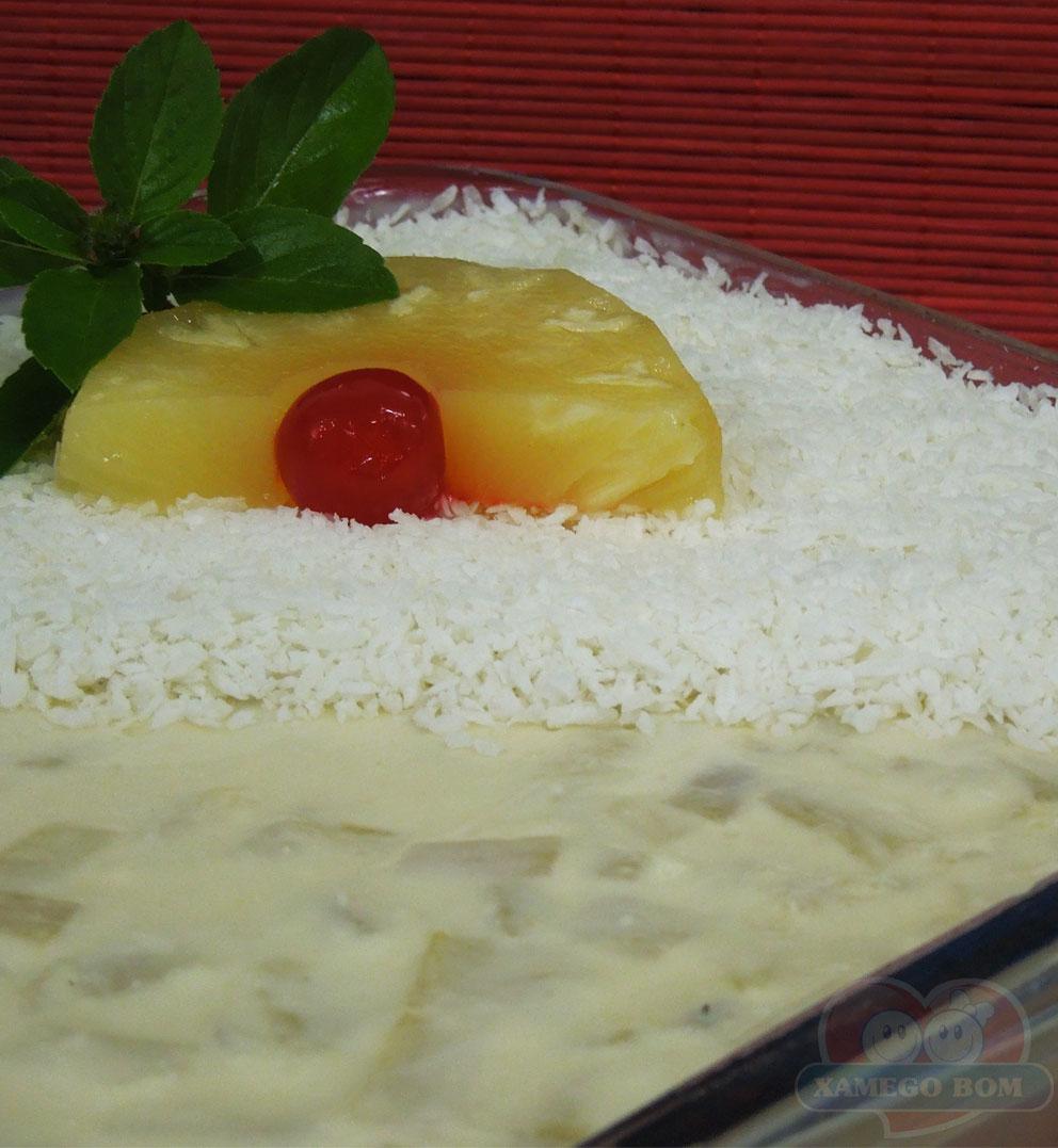 Receita de Gelatina de Abacaxi com Coco