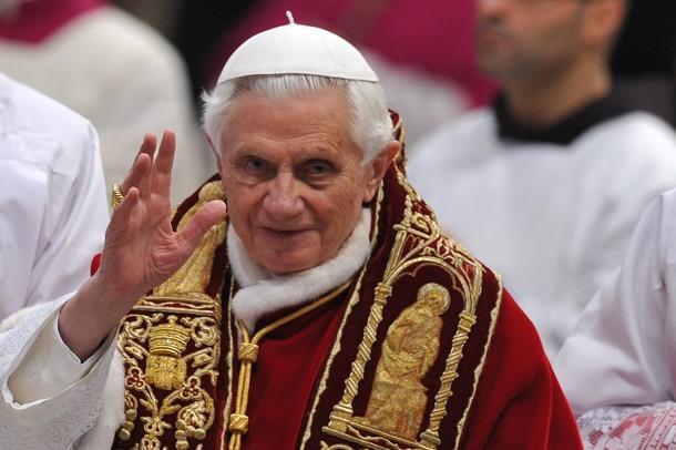 Il blog degli amici di papa ratzinger 5 2011 2012 messa del papa la chiesa una finestra - Finestra del papa ...