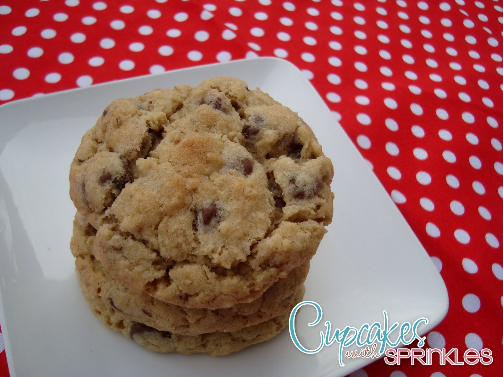 Cupcakes with Sprinkles: Oatmeal Chocolate Chip Cookies