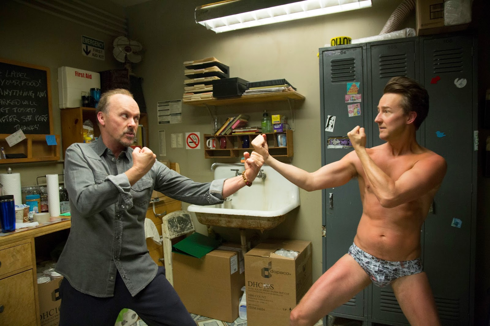 Michael Keaton et Edward Norton dans Birdman