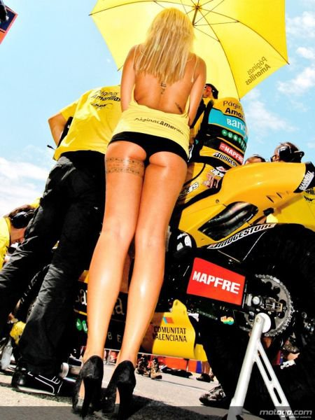 Gambar foto Gadis payung sexy motoGp31.jpg