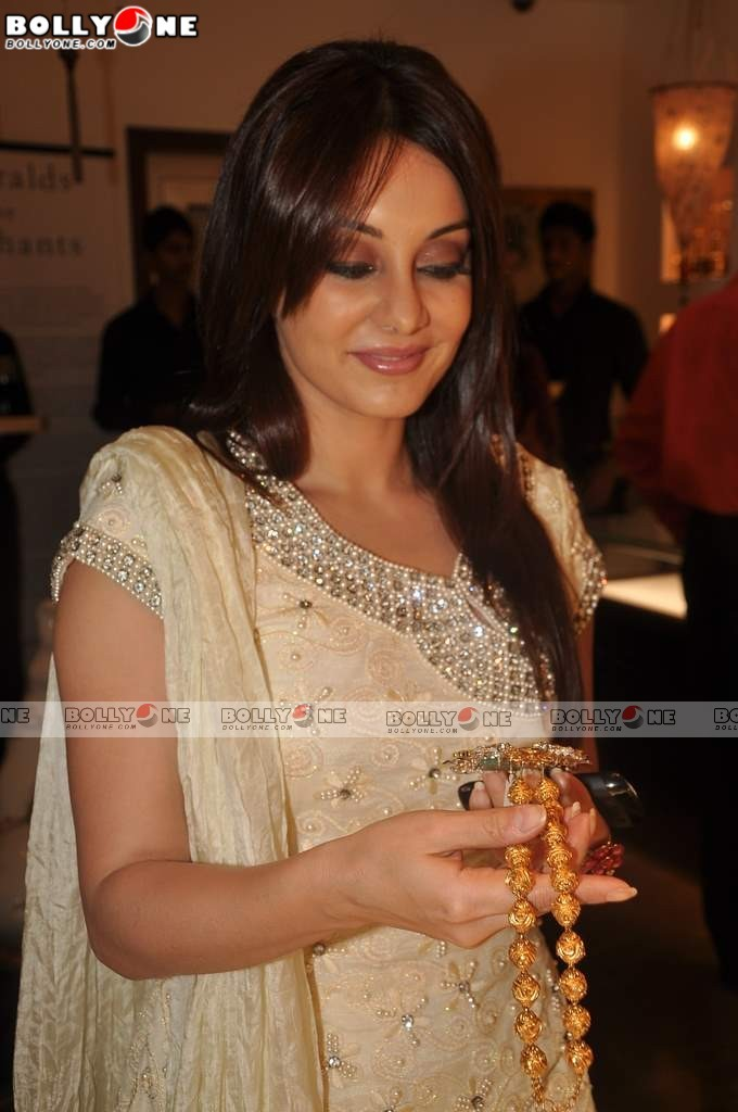 Sweet Minissha Lamba at Anmol Jewelers Promotional Event