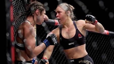 Gila! Foto dan Video Petarung Bebas Wanita Ronda Rousey Menang KO Vs Bethe Correia Dalam 34 Detik