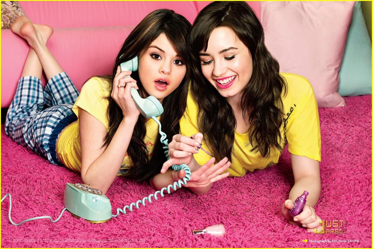 http://3.bp.blogspot.com/-7UtTFVWLxCE/Tojc2LDokBI/AAAAAAAACm4/gexhR2vbdgg/s1600/selena-gomez-demi-lovato-friendship-01.jpg