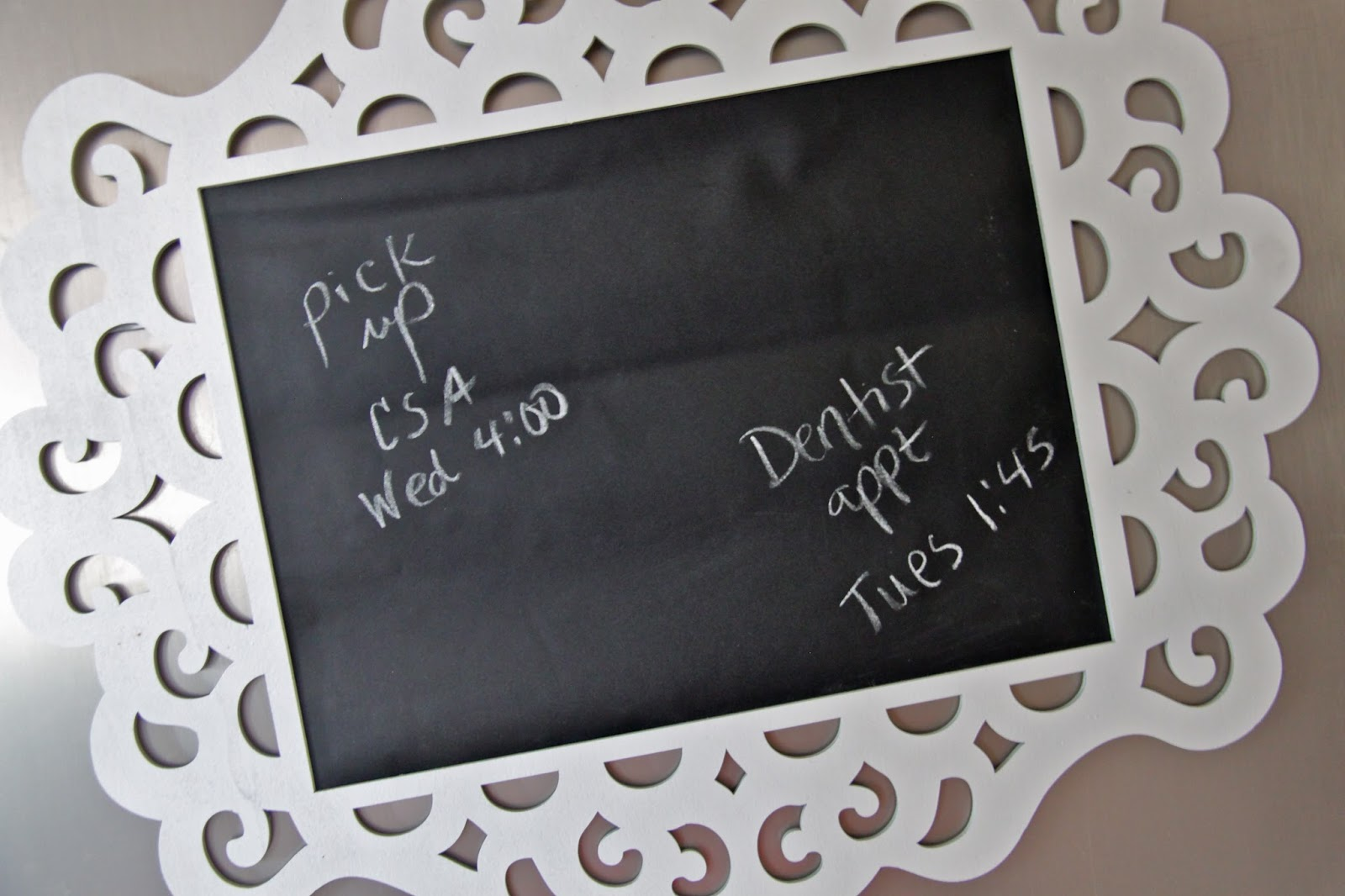 TUTORIAL: Framed Chalkboard To Do List - Smashed Peas & Carrots