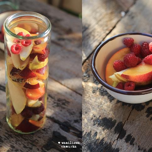 Letnie owoce w syropie