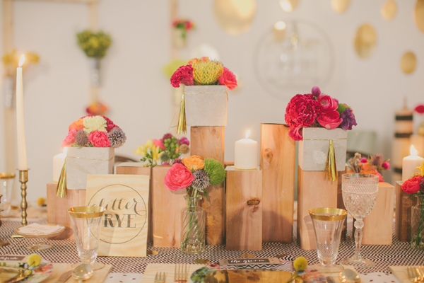 Pink gold party table setting decor b a s blog for Decor gold blog