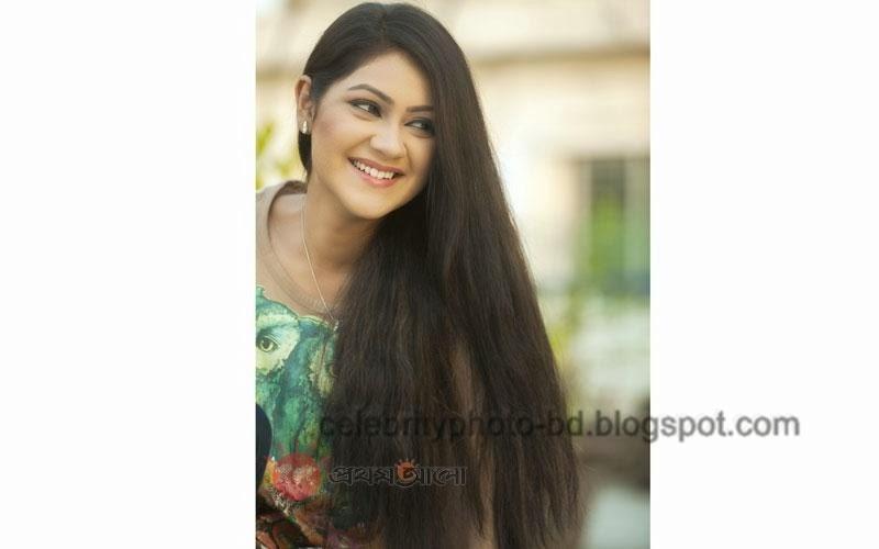 Bangladeshi+model+Shayna+Amin+Hot+Photos004