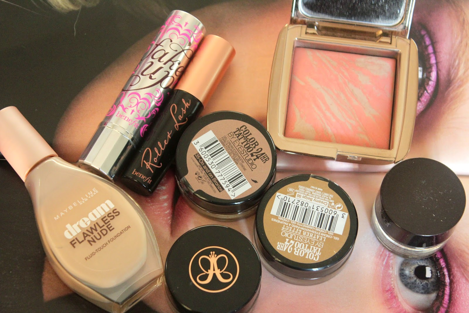 bblogger, Makeup, Maybelline, Benefit, Hourglass, Laura Mercier