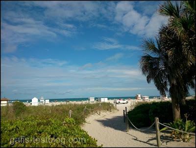 Weg zum Strand vom Miami
