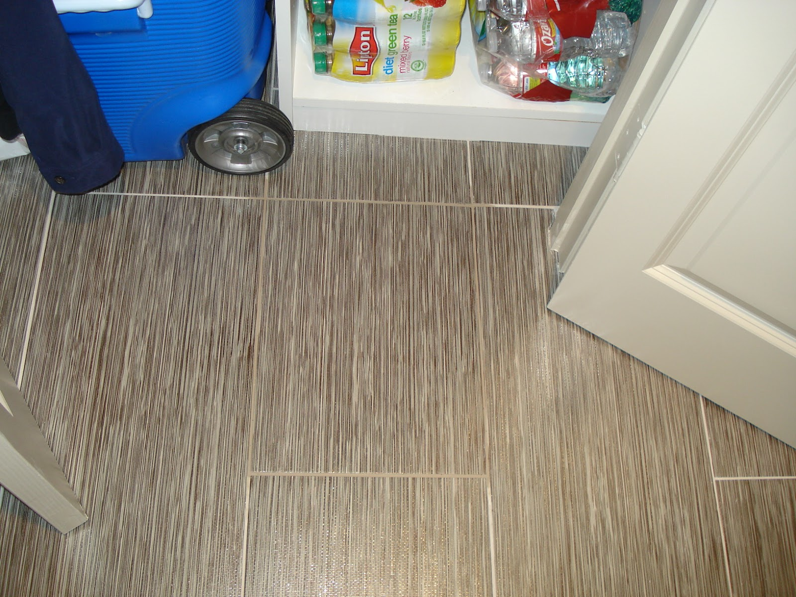 Replacing broken porcelain floor tile confessions of a tile setter dailygadgetfo Image collections
