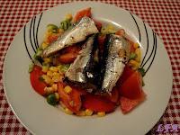 Ensalada de maiz y sardinas en aceite