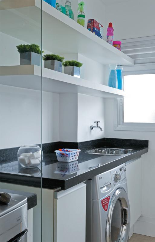 decoracao cozinha e area de servico integradas:GRUPO MULT CORRETORA: Apartamento decorado de 70 m² parece maior com