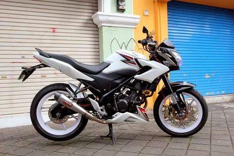 Modifikasi Honda CBR 150R Velg Jari Jari Dan Streetfighter