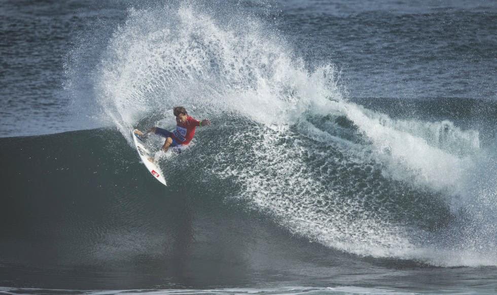 Sata Arlines Azores Pro 2014 aritz aranburu Foto ASP Damien%2BPoullenot 02