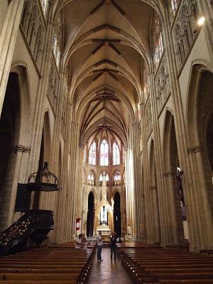 Interior de la Catedral de Santa María (Cathédrale Sainte-Marie) de Bayona
