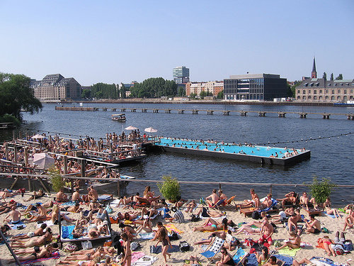 swimming pool in barge in Spree