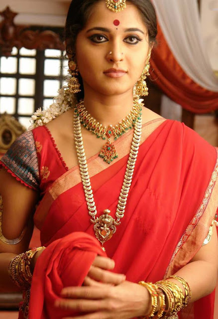 Anushka Latest Saree Photos