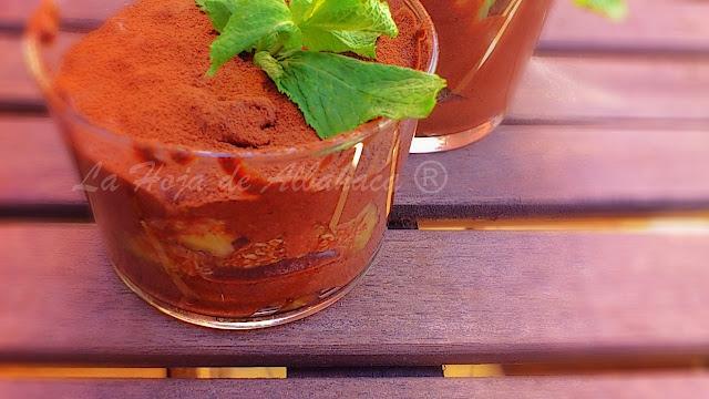 Mousse de chocolate con higos , higos