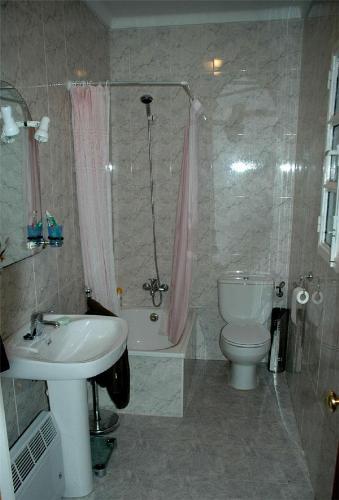 Bathroom Shower Ideas for Small Spaces-3.bp.blogspot.com