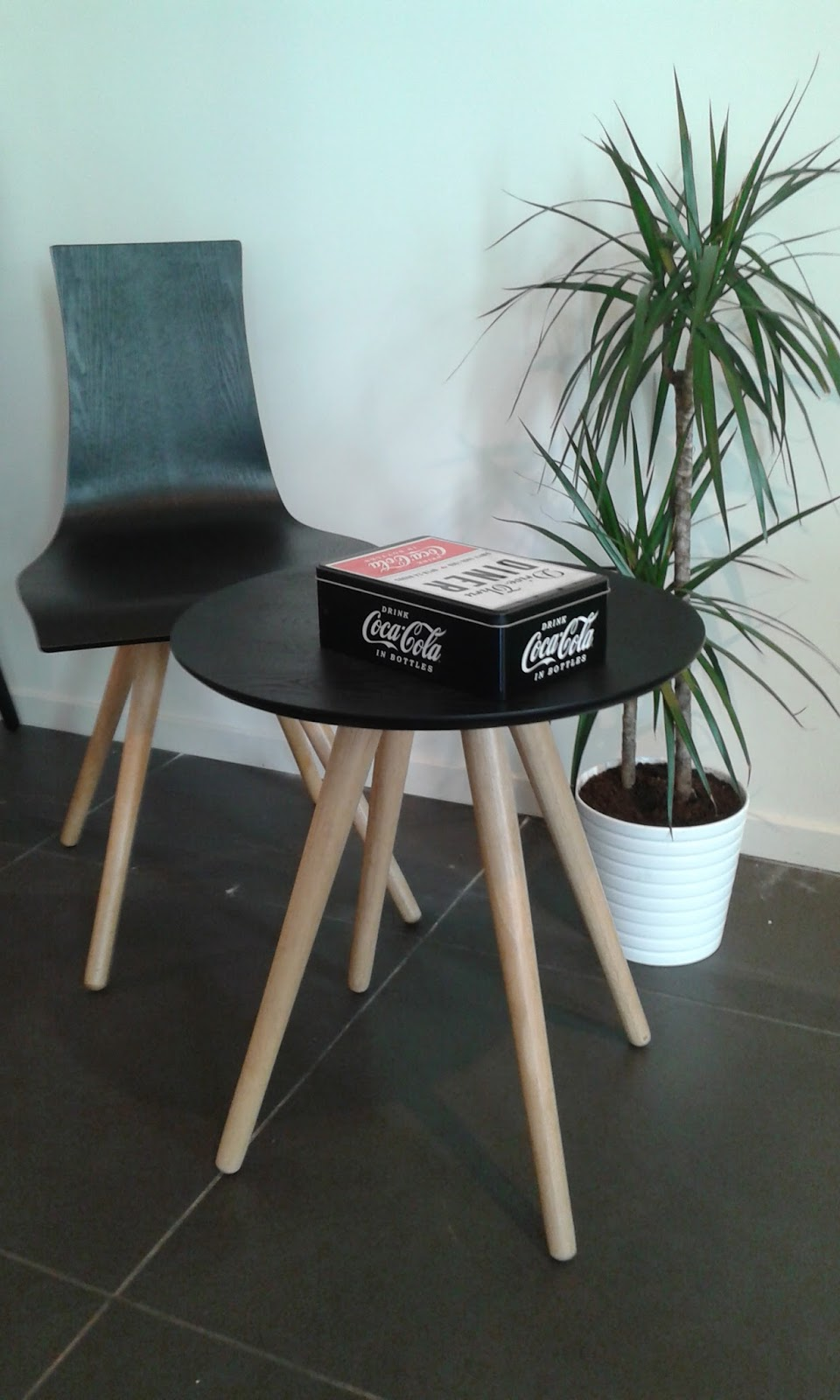 histoire de chaises. Black Bedroom Furniture Sets. Home Design Ideas